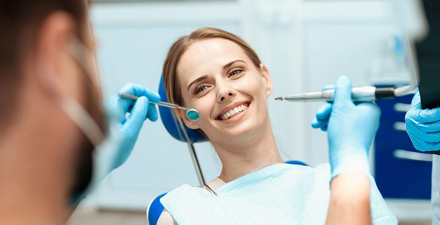 Vad bör man leta efter i en akuttandläkare?